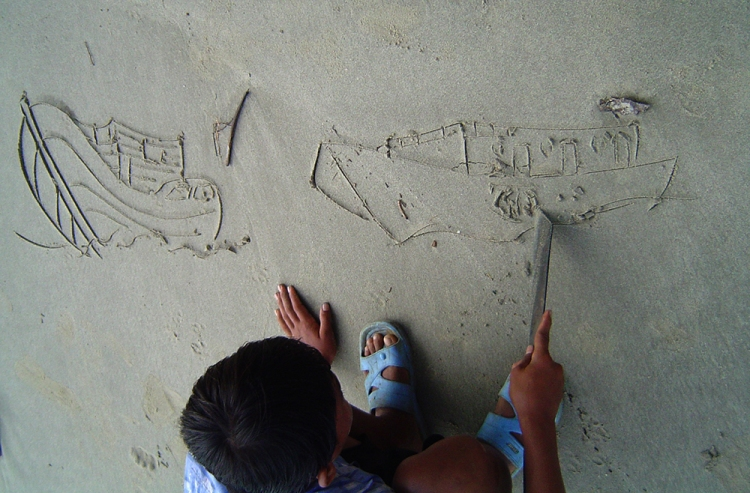 Oswald drawing a scene of Naval ship chasing a Thailand poachers