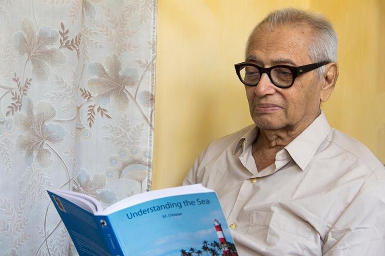 Dr. Chhapgar with his book, Understanding the Sea_Picture_Dinaz Vandrewalla